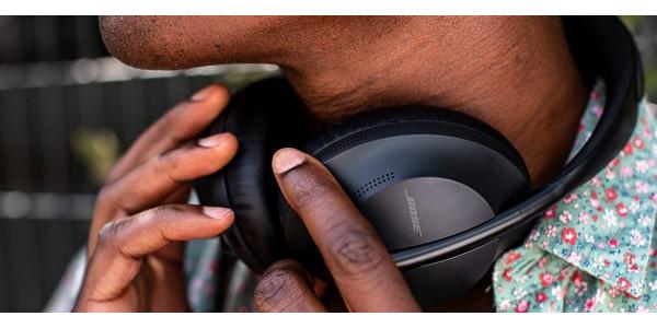 4 Bose Noise Cancelling Headphones 700 noir - Casques hi-fi - iacono.fr